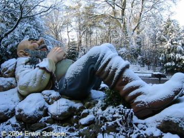 Klein Duimpje en de Reus lagen 28 december 2000 onder een dik pak sneeuw
